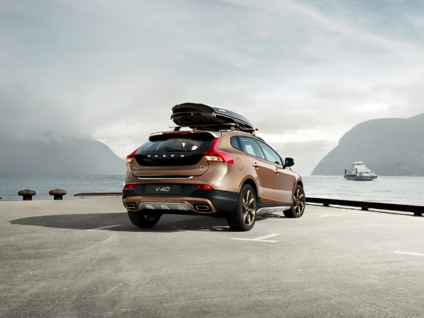 Volvo V40 Cross Country Launched