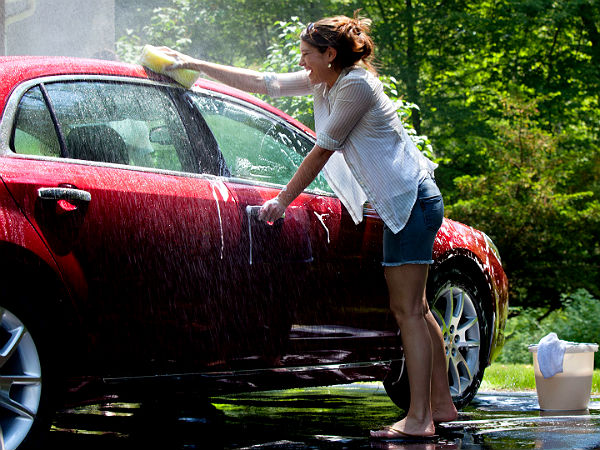 How To Clean Your Car Using Household Items