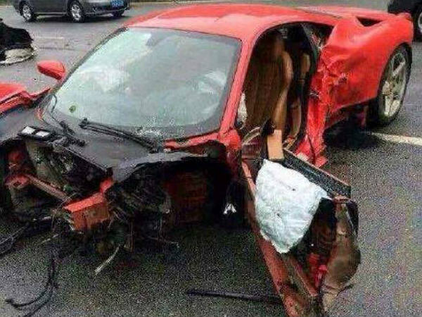 China Ferrari 458 Italia Demolished