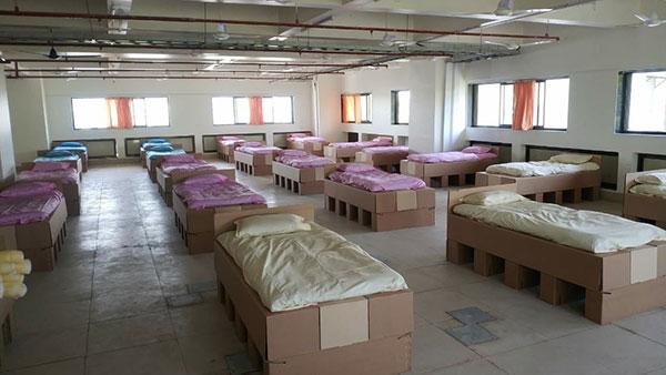 കൊവിഡ് പോരാട്ടത്തില് ഒന്നിച്ച്; 200 കിടക്കകള് സംഭാവന ചെയ്ത് എംജി