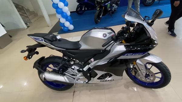 Yamaha R15 V4, R15M ആദ്യ ബാച്ച് ഡെലിവറി ആരംഭിച്ചു; വോക്ക്എറൗണ്ട് വീഡിയോ ഇതാ