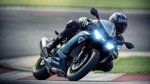 അണിയറയില് ഉള്ളത് വന് പദ്ധതികള്; 2022 Ninja ZX-6R അവതരിപ്പിച്ച് Kawasaki